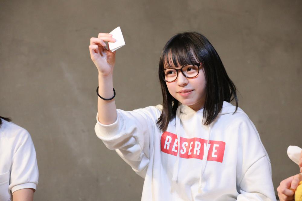 「好きな人の名前を順番に発表するってのはどう?」ヒカル役(村田アンナ/本物高校生)