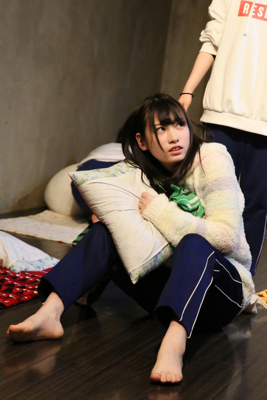 「私の布団踏まないでってば!」ノミヤ役(篠崎瑠侑/本物高校生)