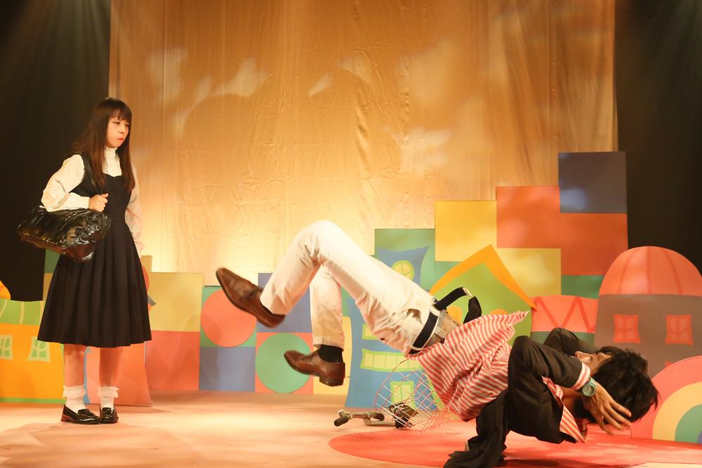 飛び起きるのを失敗する佛淵先生